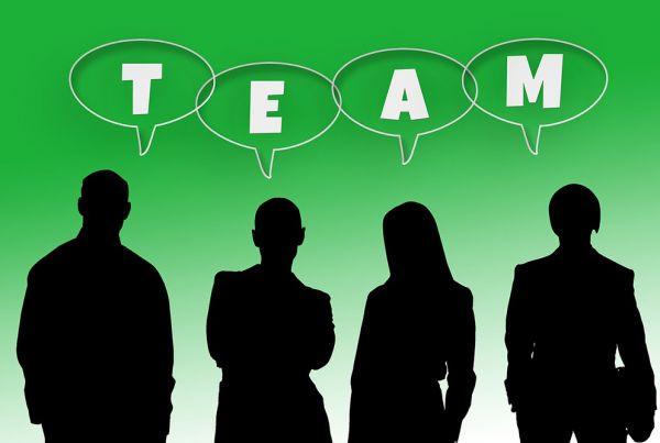 4-Ways-to-Develop-Effective-Working-Relationships